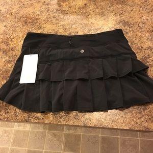 NWT lululemon RUN Pacesetter skirt size 10 black